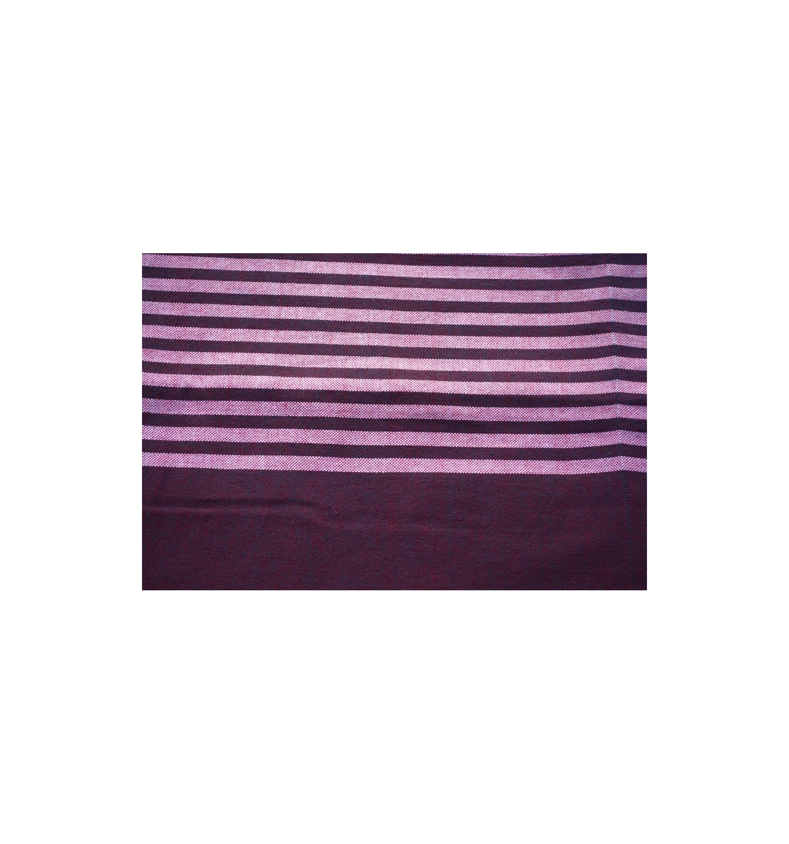 jet de fauteuil ou canap violet. Black Bedroom Furniture Sets. Home Design Ideas