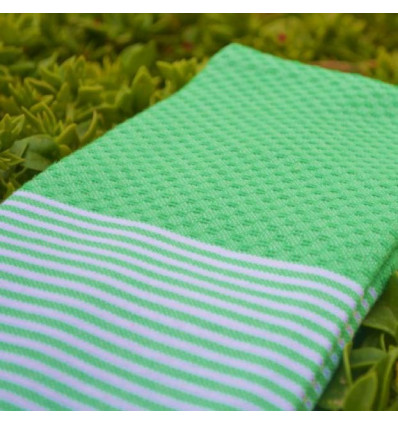 Fouta beach towel :honeycomb green