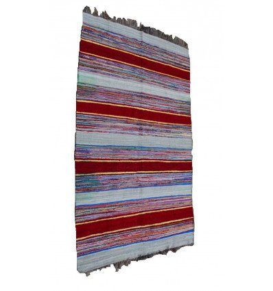Tapis blanc : tapis kilim